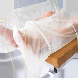 הזרמה של גז אוזון בשילוב עם חמצן המכחידה את החיידקים, מונעת קרישת דם ומסייעת להרחבת כלי דם.